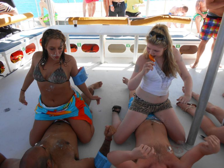 boat party benidorm booze cruise