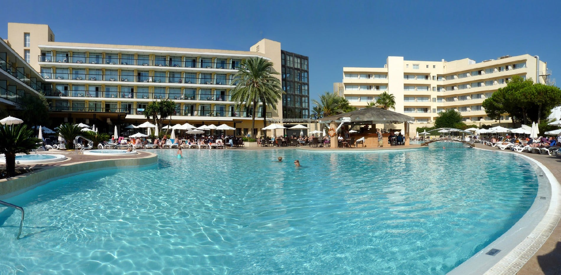 HOTELS & APARTMENTS from £8pppn